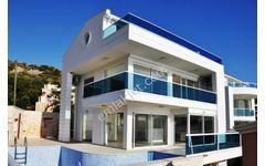 Kalkan da Deniz Manzaralı Villa