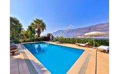 Çukurbağ Yarımadasında Full deniz Manzaralı  Kiralık Villa
