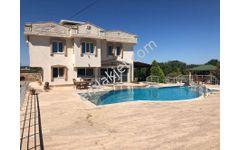 Didim Yeşiltepe'de Müstakil Özel Havuzlu Kiralık Lüks Villa