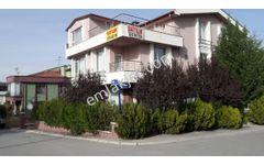 Ümitköy Töyko Sitesinde Köşe Kapalı Garajlı İşyerine Uygun Villa