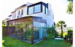 Çeşme Dalyan Marina da Deniz Manzaralı Satılık Tripleks Villa
