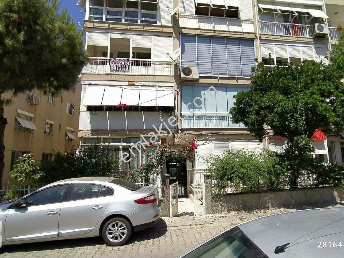 Emlakçıdan İzmir Karşıyaka Bahriye Üçok Mahallesi 3+1 Kiralık Daire 1.800  TL #8288544