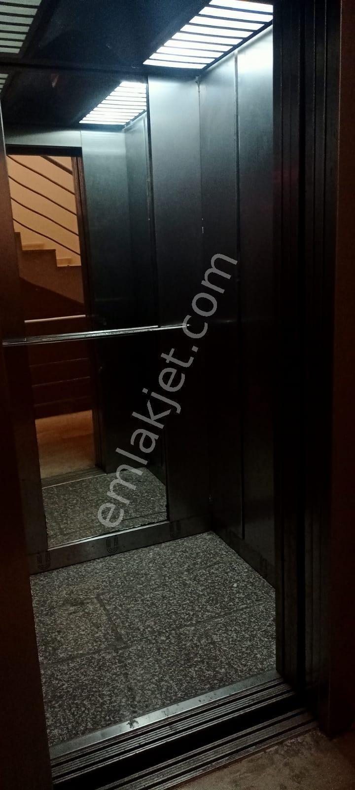 https://imaj.emlakjet.com/listing/9354642/023C541358AFE56D61326C8C641D1DDC9354642.jpg