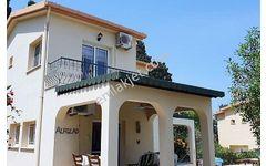 Kıbrıs Girne Karşıyaka  365 m2 Satılık 4+1 villa