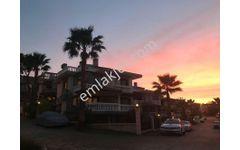 Güzelbahçe'nin, En Özel Sitesinde Deniz Manzaralı 450 m2 Villa