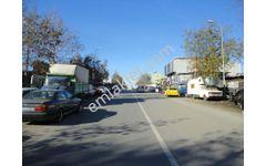 Ataşehir Ferhatpaşa'da Cadde Üstü, Etrafı Çevrili  Kiralık Arsa
