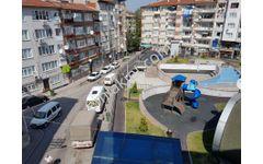 Altıparmak Caddeye yakın Selimiyede parka cephe