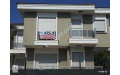 Çeşme Dalyanköy de Marina ve plaja yakın iki adet kiralık villa