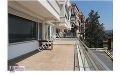 Yeniköy Armanlı da satılık deniz manzaralı teraslı daire