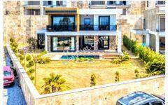 Kuşadası Merkeze Yakın Dubleks Özel Havuzlu 500 m2 Arsa
