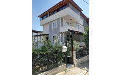 Edremit Altınolukta kelepir Satılık 4 katli villa