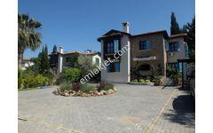 Çatalköy'de 4+1 Havuzlu, Yenilenmiş, Bakımlı, Full Eşyalı Villa