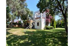 Yalıkavak Merkezde 2+1 Bahçeli Satılık Müstakil Villa