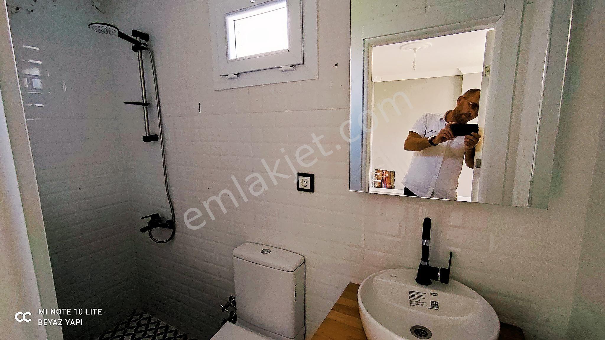 https://imaj.emlakjet.com/oda/watermarked-image/test/2021-7-17/edited-9699300/245360581-edited.jpg