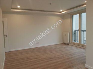 Bakırköy İncirli Cadde üstü Bina Satılık 3+1 Öncephe İşyeri Konut