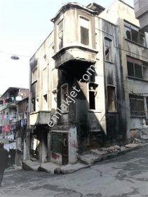 Beyoğlu Tarlabaşı'nda 4 katlı 2. Derece Tarihi Bina