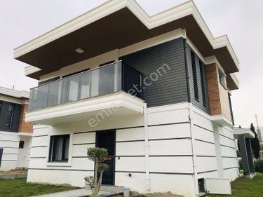 Kuşadasında Satılık Taşınmaya Hazır lüks Sıfır  Villalar