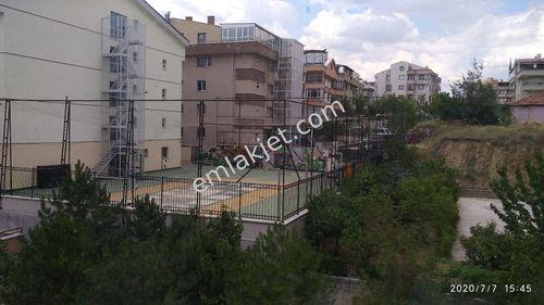 Çankaya Yıldızevler cadde üzeri kombili 2000 e dubleks daire