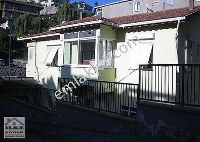 Çengelköye yakın  ana cadde üzeri  iki katlı bahçeli ev