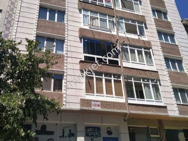 Atatürk bulvarına yakın 3+1 kombili son kat daire