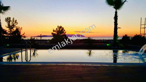 Kuşadası soğucakta  deniz manzaralı 4+1 lux villa SATILIK