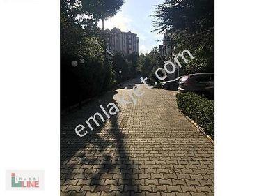 Bahçeşehir Esenkentte 4 katlı villa satılık