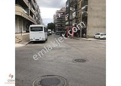 Karşıyaka Metro İstasyonu Karşısında Satılık Cadde üstü İş yeri