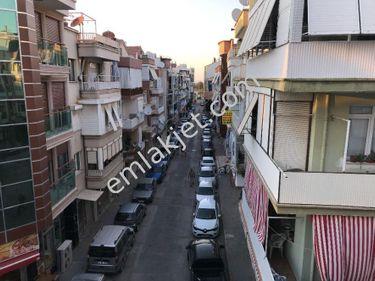 Balçova Ata Caddesi Paraleli 3+1 Bakımlı Satılık Daire