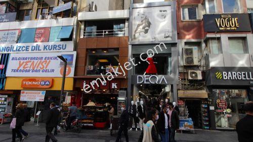 Karşıyaka çarşıda 3 katlı satılık dükkan