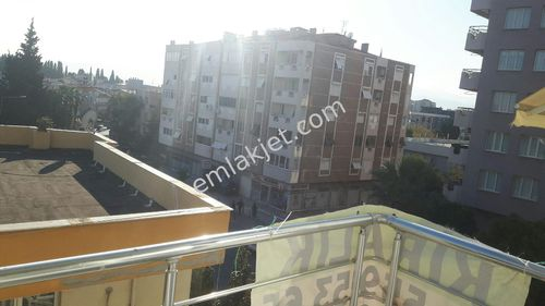 kiralik daire Buca Menderes caddesinde 2+1 85 metre