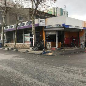cadde de devren çalışır vaziyette LASTİK satış ve bakım mağazası