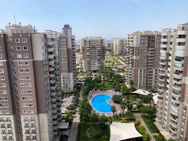 Mavişehir - Soyak A Bölgesi - Havuz cepheli son kat satılık 1+1