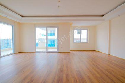 Новые  двухуровневые апартаменты 4+1  в Махмутларе.