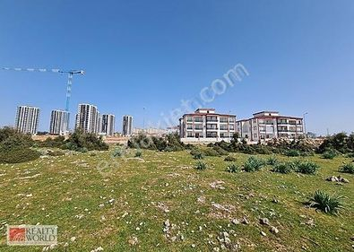 Çıplaklı'da Yeniköy'ün en lüks projesine komşu imarlı arsa