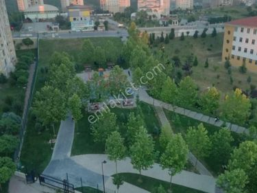 kayaşehir 21.bölgede satılık 3+1 daire 136m2 güney cephe