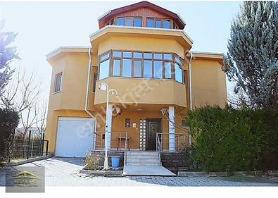 Muhteşem Lokasyon ve Doğada Satılık Villa