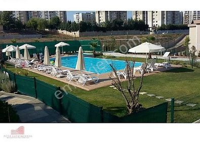 Yenişehir Q Bahçe Sitesi 4+1 220M2 + 150M2 Bahçeli Satılık Villa