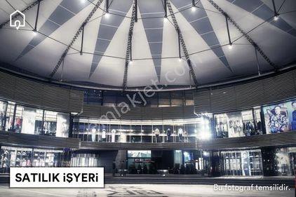Çekmeköy caddeye cephe kiracılı 200 m2 kiracılı satılık dükkan