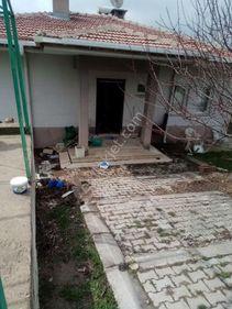 600 M2 Bahçeli betonarme ful yapılı kamelyali müstakil kõy evi