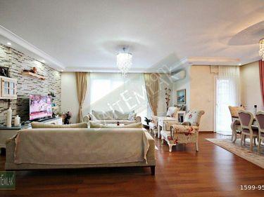 Beyaz Konaklar Sitesinde Satılık 3+1 Kapalı Garajlı 155 m2