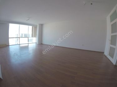 Narlıderede Kiralık Ofis & Büro Ana Merkezde Yapılı Lüx 90m² 1+1