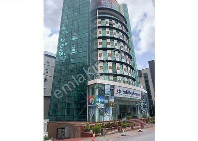 TEM Otoban Cepheli Ödüllü Tasarımıyla 5.400m2 Ofis Plazası