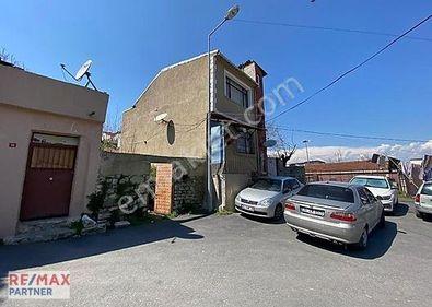 Fatih Ayvansaray Mahallesinde 2 Katlı Satılık Müstakil Ev