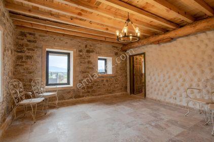 Foça Ilıpınar da Satılık Müstakil Taş Villa
