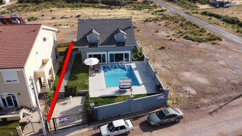 Döşemealtı Altınkale'de Satılık Özel Yapım 4+1 Havuzlu Villa