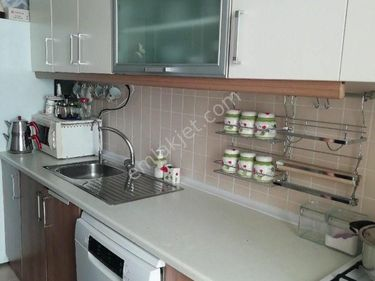 kayaşehir 9.bölgede acil satılık temiz daire