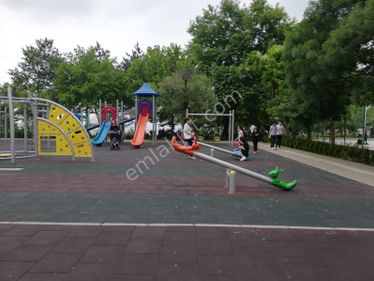 Teferrüç Meydanda Keyruvan Park Yakını 2+1 100m2 kombili 850TL