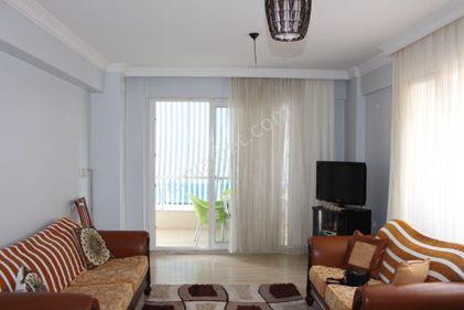 Karşıyaka Yalı mahallesi Asansörlü Satılık 125 m2 2+1 Köşe Daire