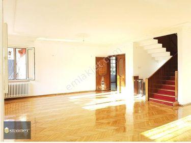 Etiler Akatlarda 350 m2 satılık villa Bahçeli 4 cephesi açık