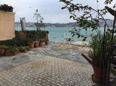 Yeniköy'de Satılık 450m2 Müştemilatlı Rıhtımlı Yalı rumelihisarı